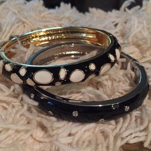 Jewelry - Black and White hinged enamel bracelet set.